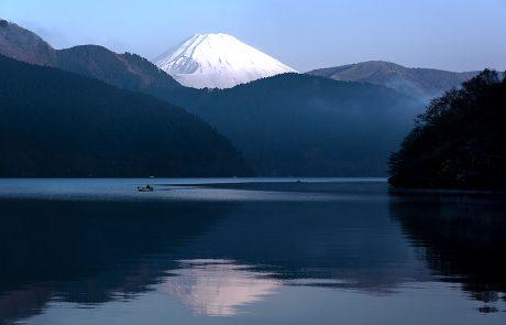 גבוה, כריזמטי, ולא מפסיק להפתיע: מאחורי הקלעים של הר פוג'י | כתבה: מיטל לוין